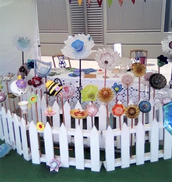 Quirky Yard Art (2)